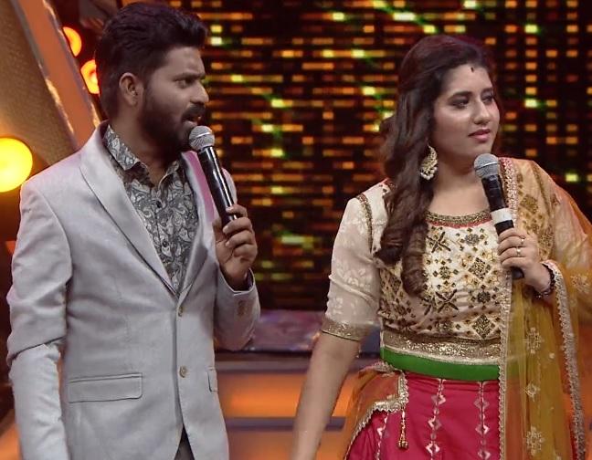 Ma Ka Pa Ananad and Priyanka - Hosts of Super Singer 7
